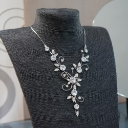 Collier argenté fantaisie strass fleur