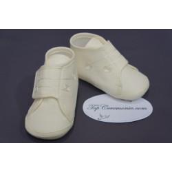Chaussons babies baptême bébé garçon tissus blanc ou ivoire