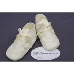Chaussons babies baptême bébé garçon tissus ivoire