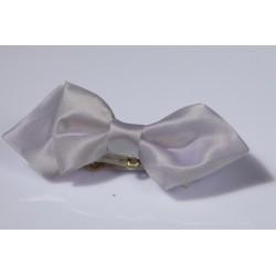 Noeud papillon et pochette enfant satin gris clair