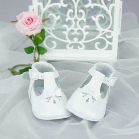 46449f08758f3 Chaussures cérémonie bébé fille blanches effet nacré tout cuir Ref.3269