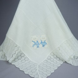 Couverture de baptême ou châle bébé blanc avec motifs nounours bleus