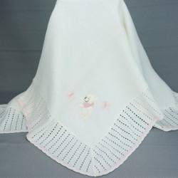 Couverture ou châle bébé blanc avec motifs nounours rose et papillons
