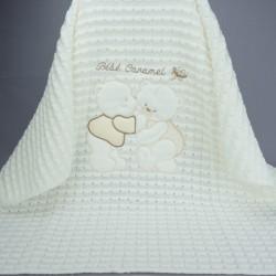Couverture de baptême ou châle en maille bébé caramel beige