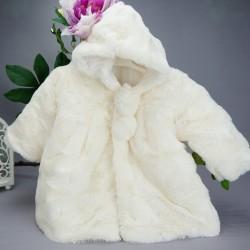 Manteau fourrure bébé ivoire avec ponpons