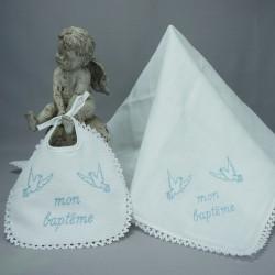 """Bavoir lange blanc de baptême 2 colombes brodé """"Mon baptême"""" en bleu"""